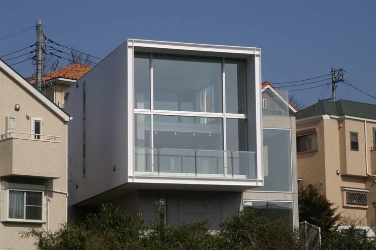 南側外観: オザワデザイン一級建築士事務所が手掛けたです。,