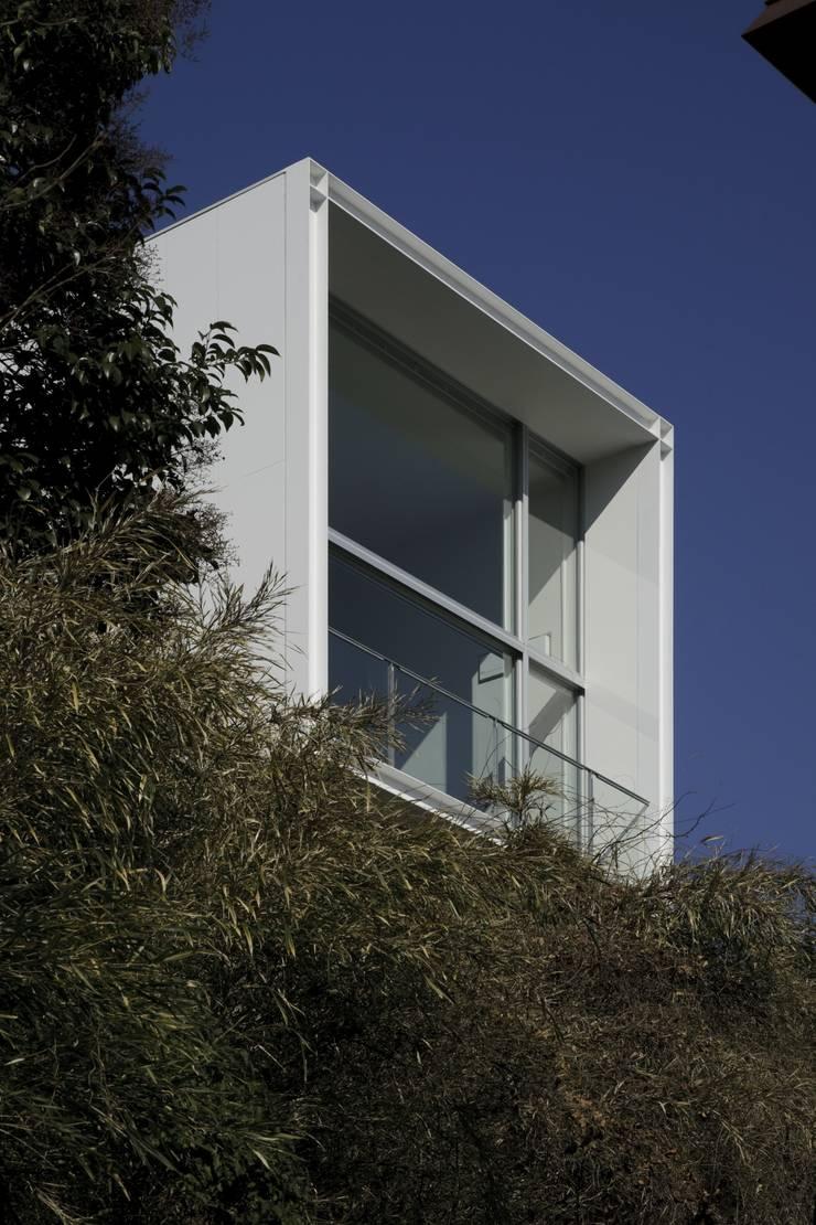 南側開口: オザワデザイン一級建築士事務所が手掛けたです。,