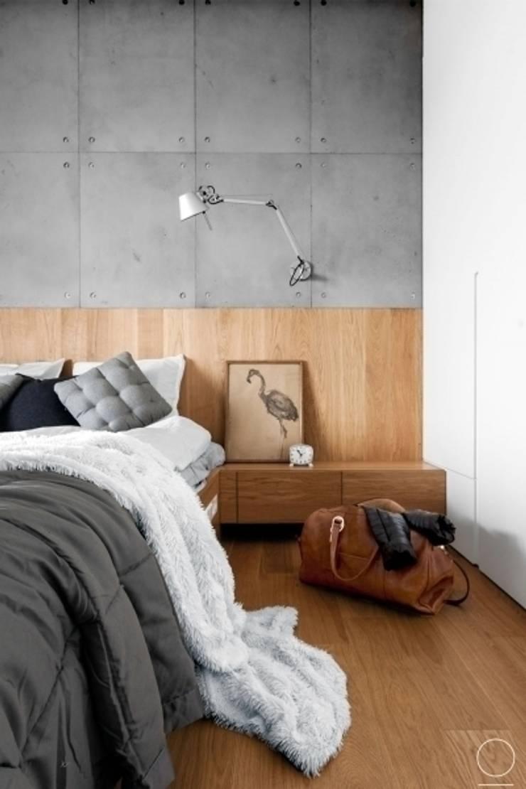 Apartament na Muranowie : styl , w kategorii Sypialnia zaprojektowany przez OIKOI