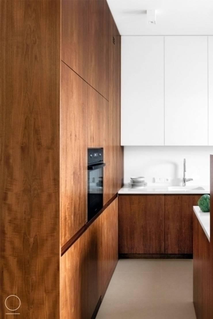 Apartament na Muranowie : styl , w kategorii Kuchnia zaprojektowany przez OIKOI