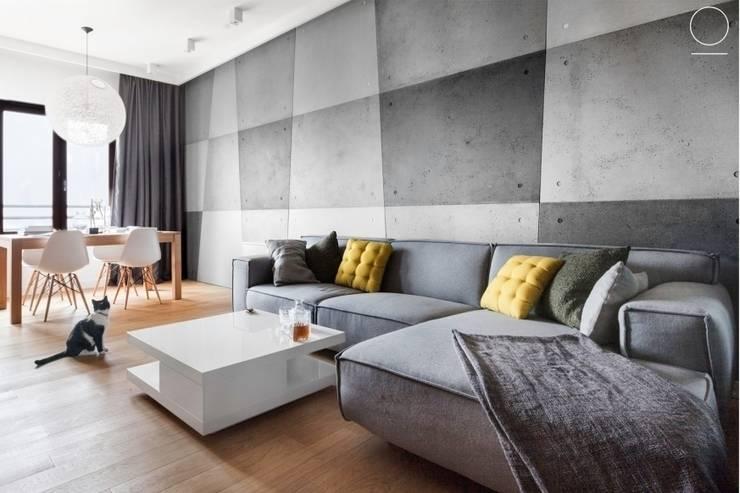 Apartament na Muranowie : styl , w kategorii Salon zaprojektowany przez OIKOI