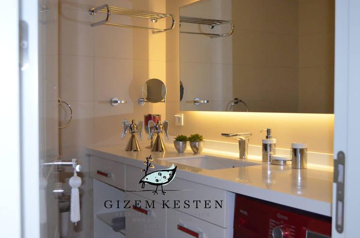 Gizem Kesten Architecture / Mimarlik – Siyah Beyaz asalet :  tarz Banyo, Modern
