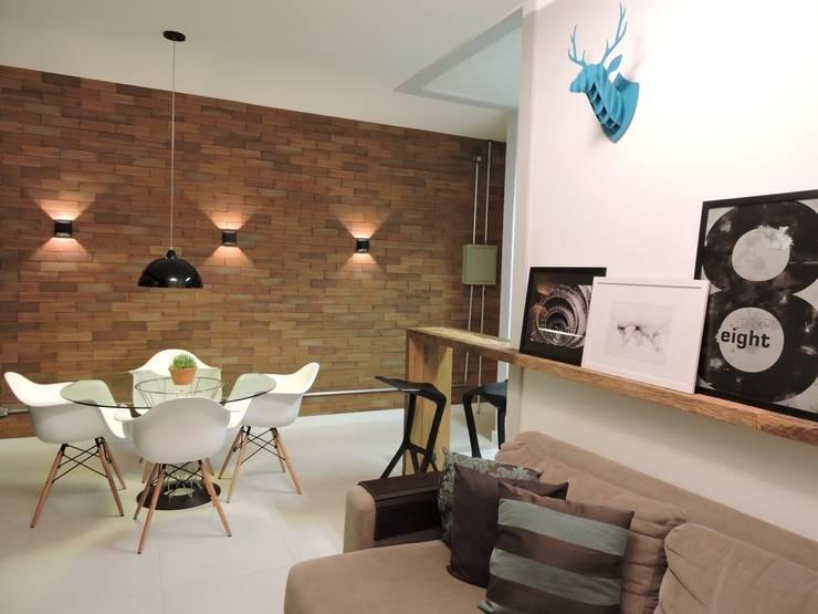 apartamento WB: Salas de estar  por SPOT161 arquitetura + design,Industrial