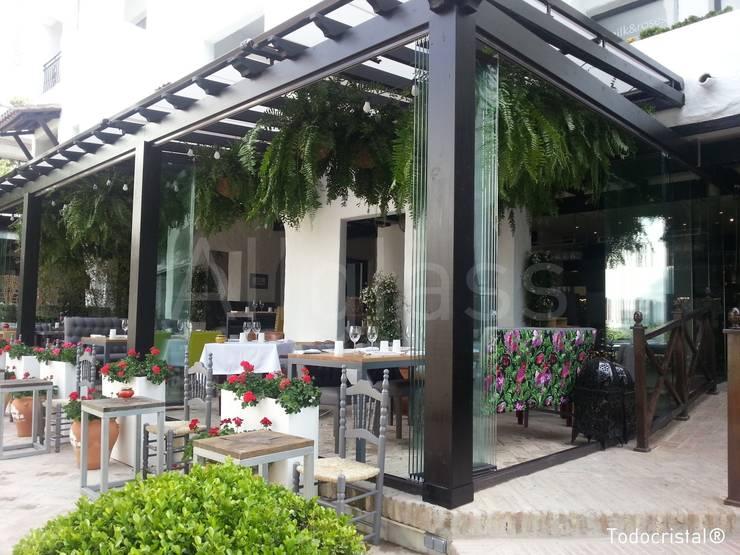 RESTAURANTE: Locales gastronómicos de estilo  de ALLGLASS CONFORT SYSTEM