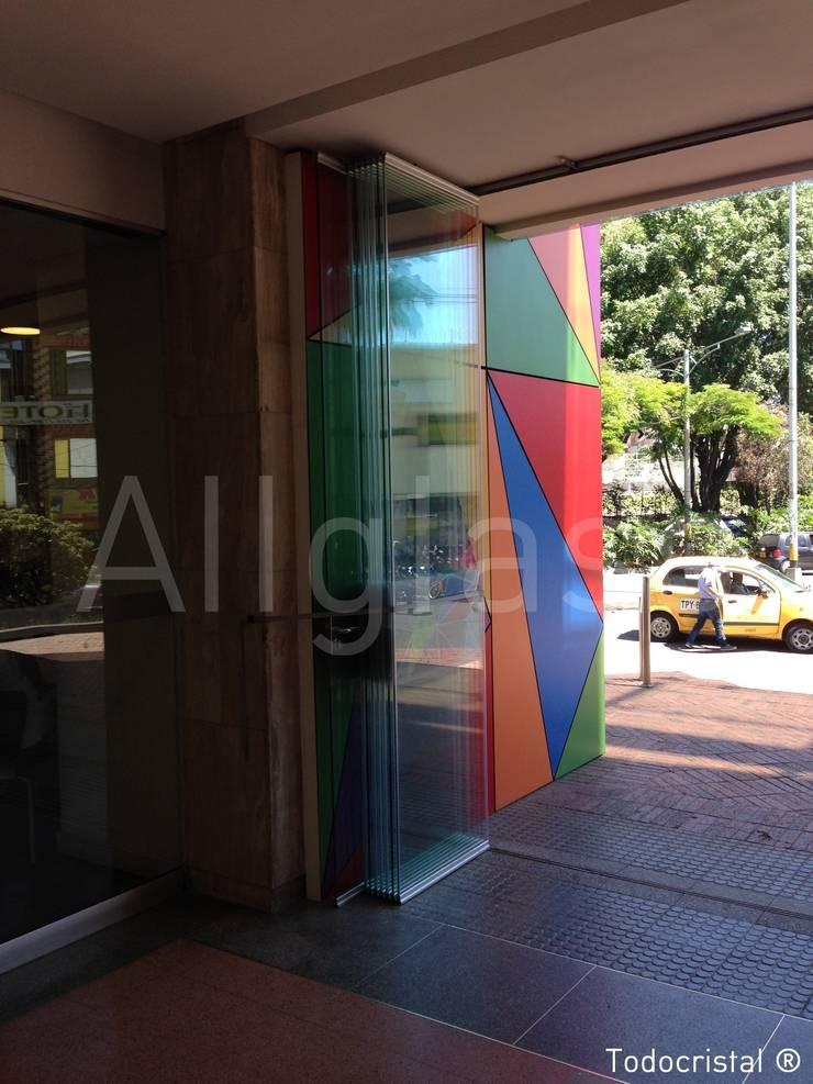 TIENDA: Oficinas y Tiendas de estilo  de ALLGLASS CONFORT SYSTEM