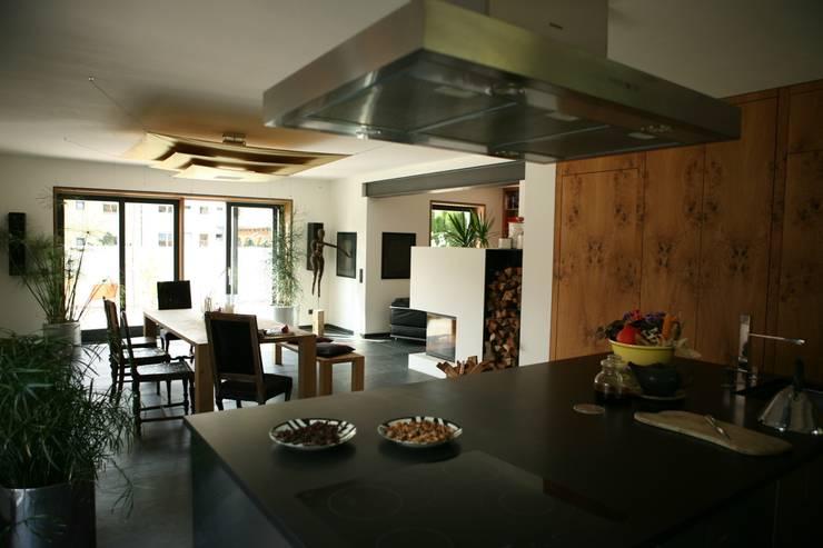 modern Dining room by Architekturbüro Kirchmair + Meierhofer