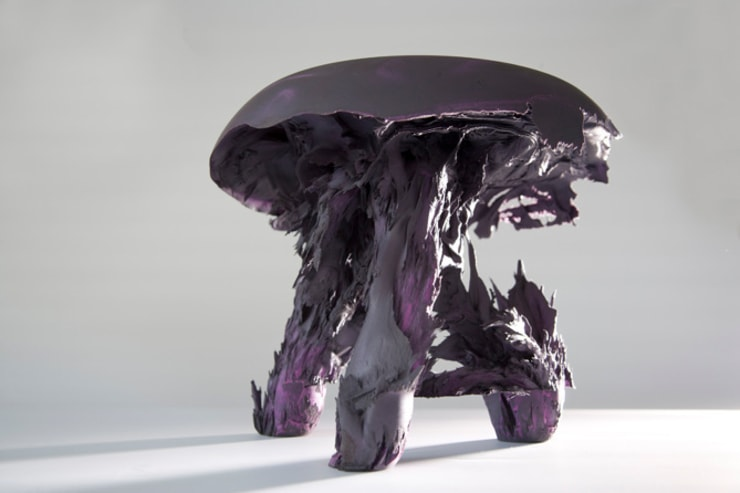 Original Gravity Stool – Purple:  Kunst  door Jólan van der Wiel