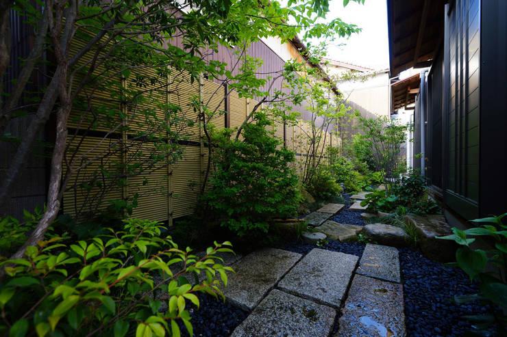 緑と潤いあふれる日陰の庭 2013~: にわいろSTYLEが手掛けた庭です。