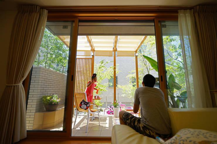 外へいざなうリゾートな庭 2014~: にわいろSTYLEが手掛けた庭です。