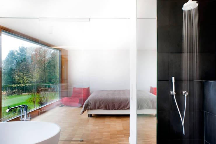 Спальни в . Автор – STEINMETZDEMEYER architectes urbanistes
