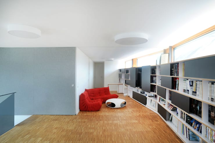 Медиа комнаты в . Автор – STEINMETZDEMEYER architectes urbanistes