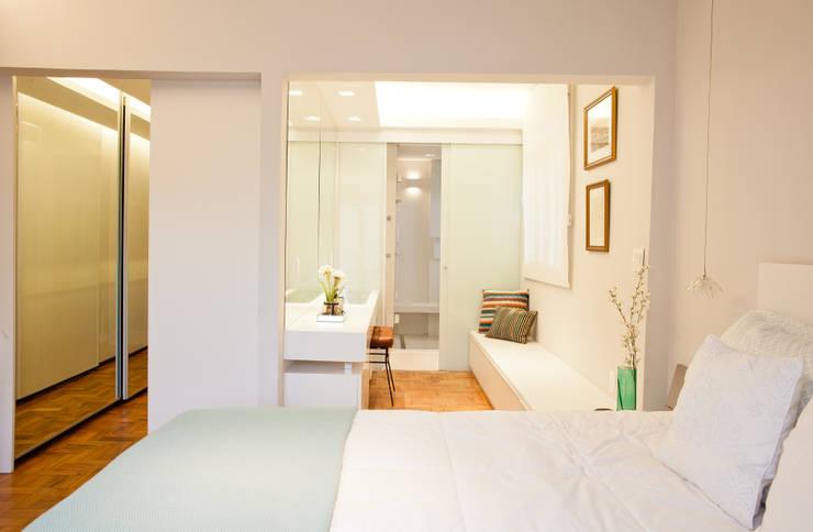 Apartamento Alameda Jaú: Quartos  por studio scatena arquitetura