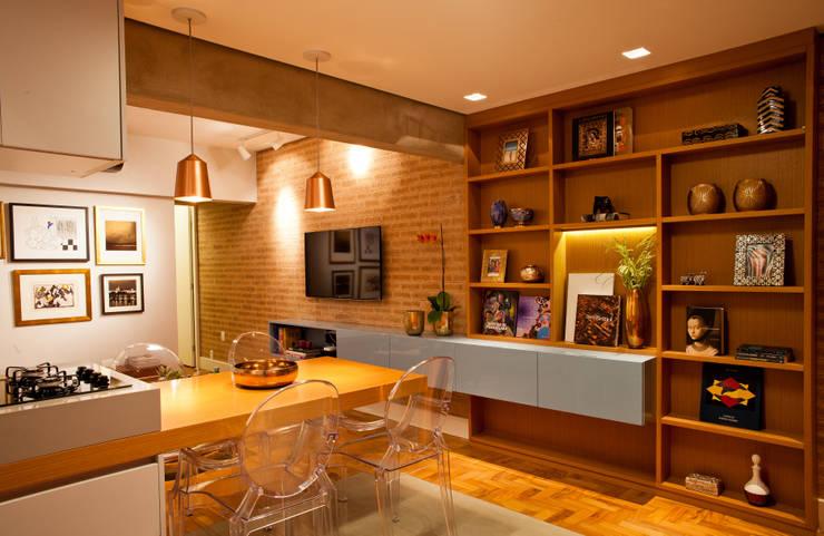 Apartamento Alameda Jaú: Salas de jantar modernas por studio scatena arquitetura