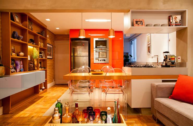 Apartamento Alameda Jaú: Salas de estar modernas por studio scatena arquitetura