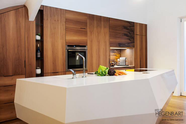 Cucina in stile  di SARL Felix Hegenbart