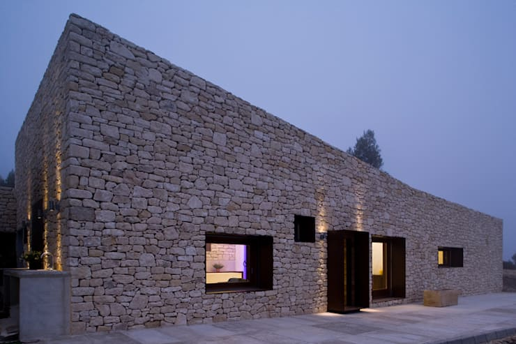 La luz del mediterráneo: Casas de estilo rural de Tomás Amat Estudio de Arquitectura