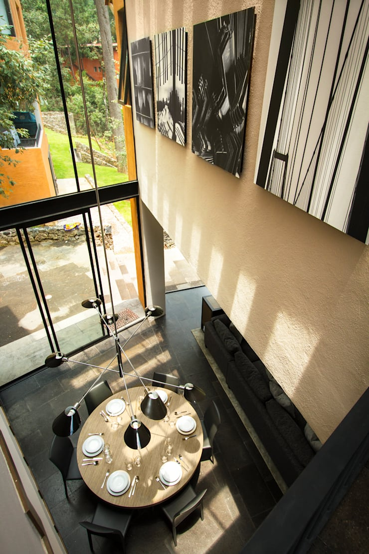 Casa Avandaro: Puertas y ventanas de estilo  por Concepto Taller de Arquitectura