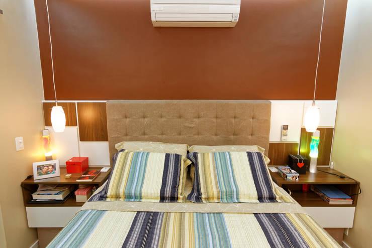 minimalistic Bedroom by Raphael Civille Arquitetura