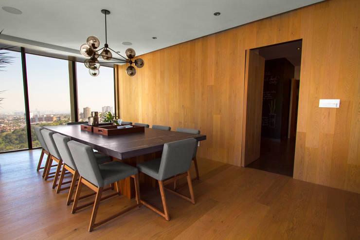 Comedores de estilo  por Concepto Taller de Arquitectura