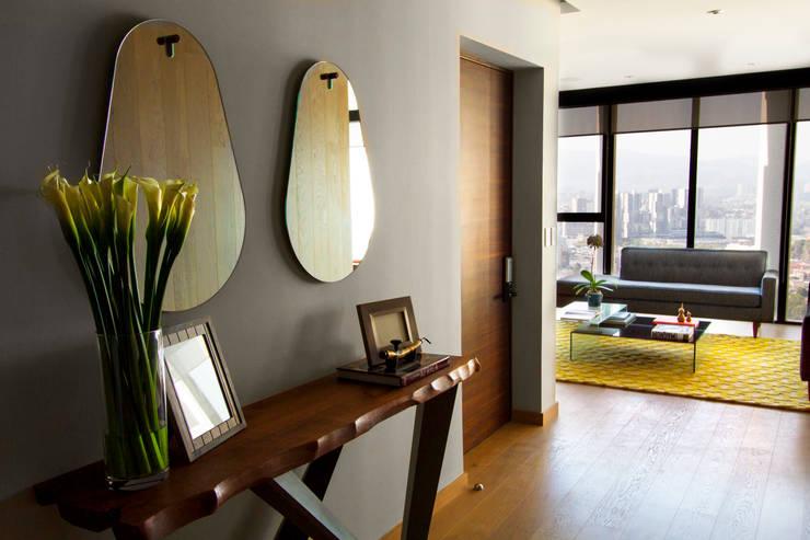 Concepto Taller de Arquitecturaが手掛けた廊下 & 玄関