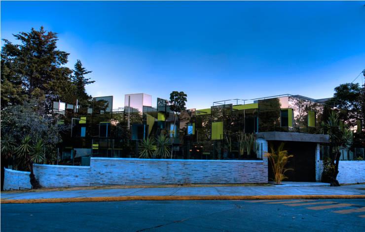 Projekty, nowoczesne Domy zaprojektowane przez Craft Arquitectos