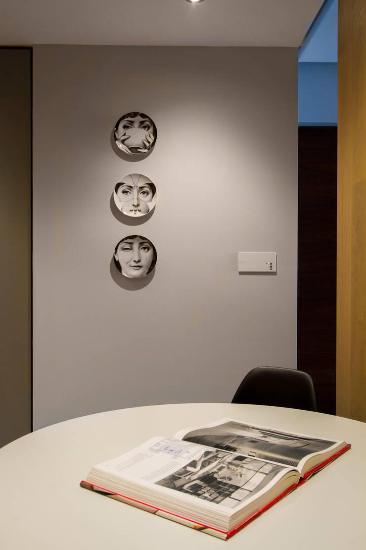 Departamento DG: Comedor de estilo  por Concepto Taller de Arquitectura