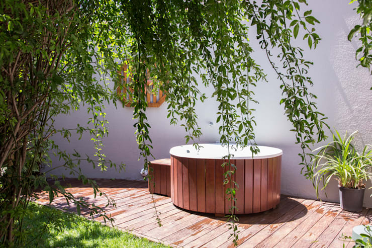 tropical Spa by Marcos Contrera Arquitetura & Interiores