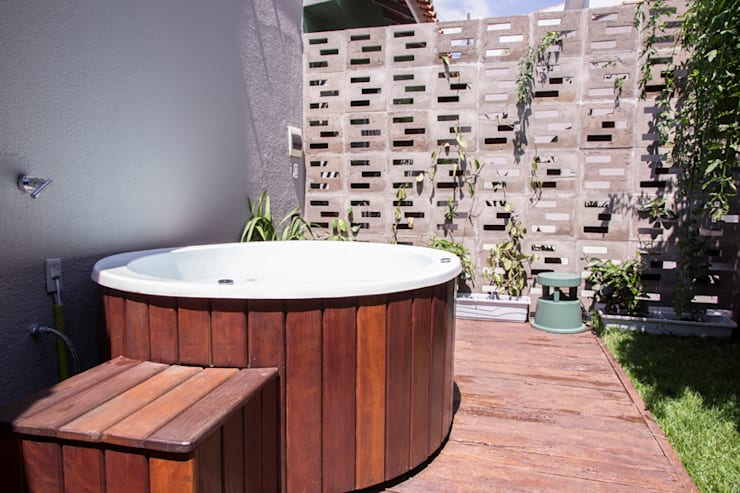 Residencia de Surfista: Spas  por Marcos Contrera Arquitetura & Interiores,