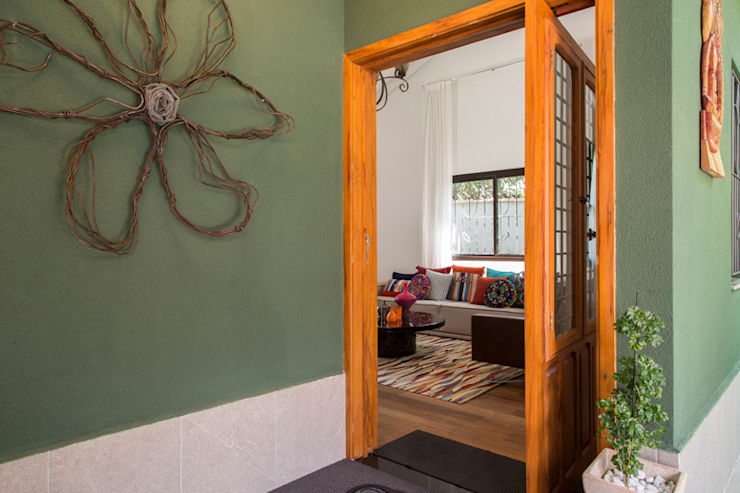 Residencia de Surfista: Janelas   por Marcos Contrera Arquitetura & Interiores,