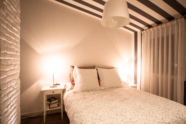 Decoración con un toque rural: Dormitorios de estilo  de Estatiba construcción, decoración y reformas en  Ibiza y Valencia