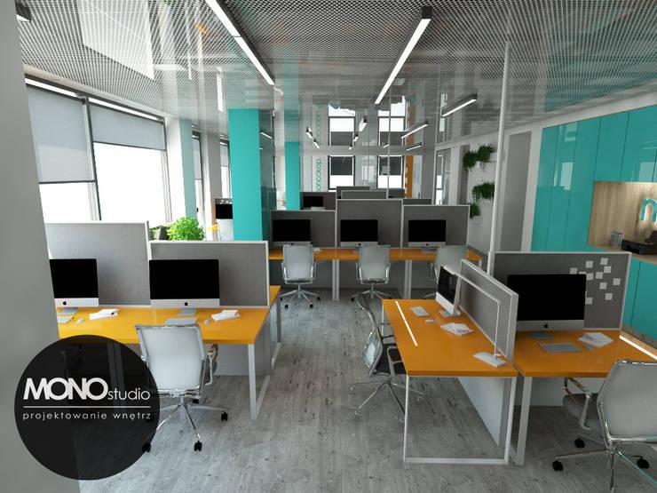 Nowoczesna przestrzeń biurowa: styl , w kategorii Przestrzenie biurowe i magazynowe zaprojektowany przez MONOstudio,
