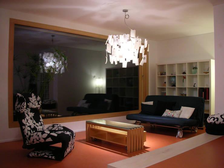 5 Architekten AG:  tarz Oturma Odası