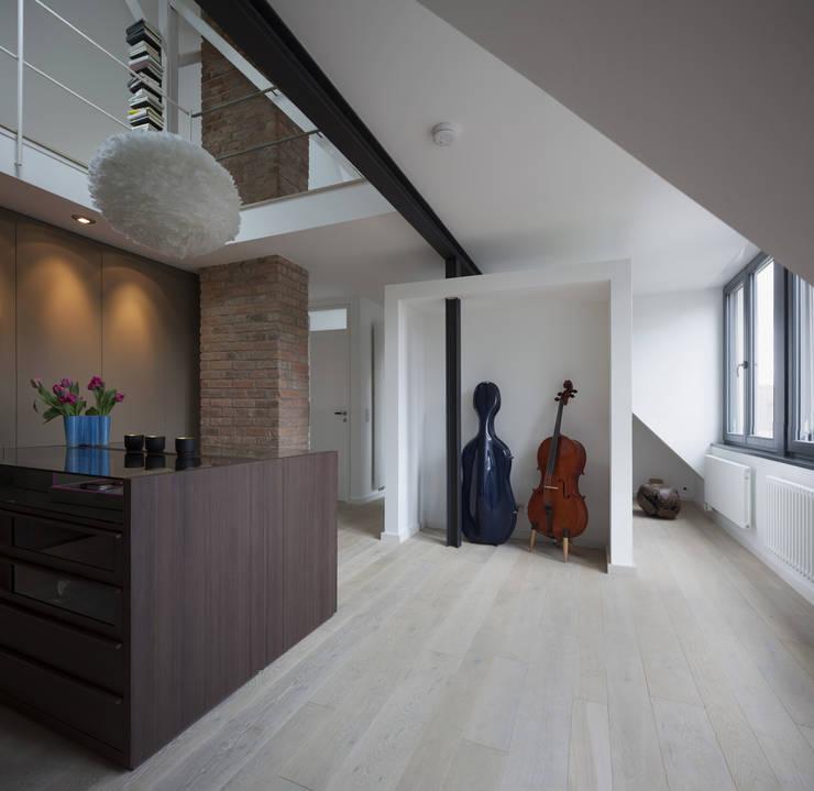 Projekty,  Garderoba zaprojektowane przez Gerstner Kaluza Architektur GmbH