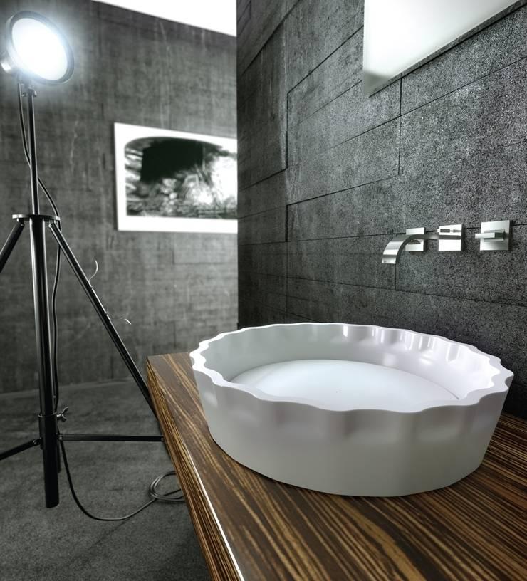 MYBATH KAPSEL: styl , w kategorii Łazienka zaprojektowany przez MyBath