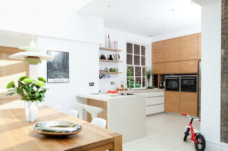 Fielding Road: modern Kitchen by Hamilton King