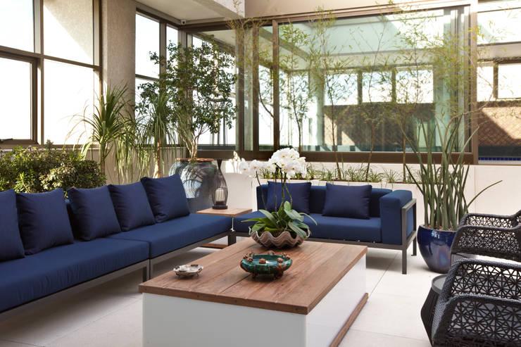 Cobertura Nova Lima - MG: Jardins  por CP Paisagismo,Moderno
