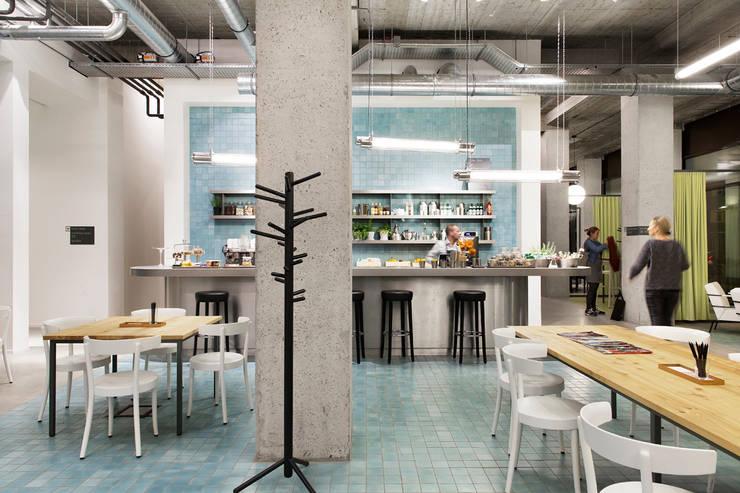 Spaces:  Gastronomie door ASPACEYOUDONOTWANTTOLEAVE.COM