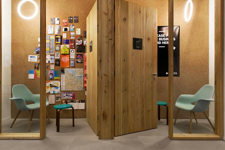 Spaces:  Kantoorgebouwen door ASPACEYOUDONOTWANTTOLEAVE.COM