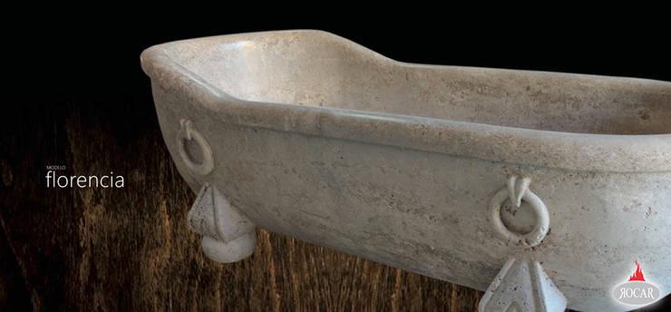bañera: Baños de estilo  de Rocarmona Artesanos,s.l.