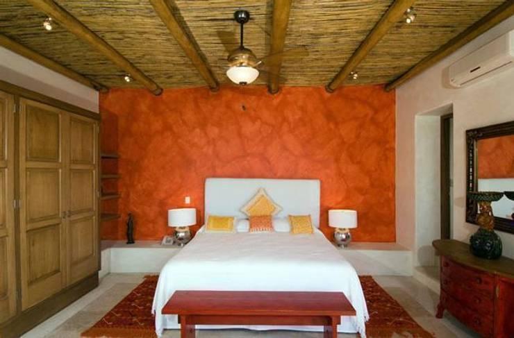 Villas Mandarinas: Recámaras de estilo  por CASA MÉXICO