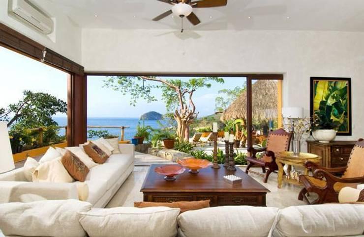 Villas Mandarinas: Salas de estilo  por CASA MÉXICO