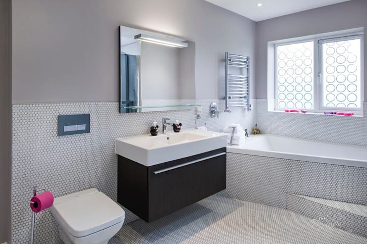 Countryside Retreat—Living Space:  Bathroom by Lisa Melvin Design