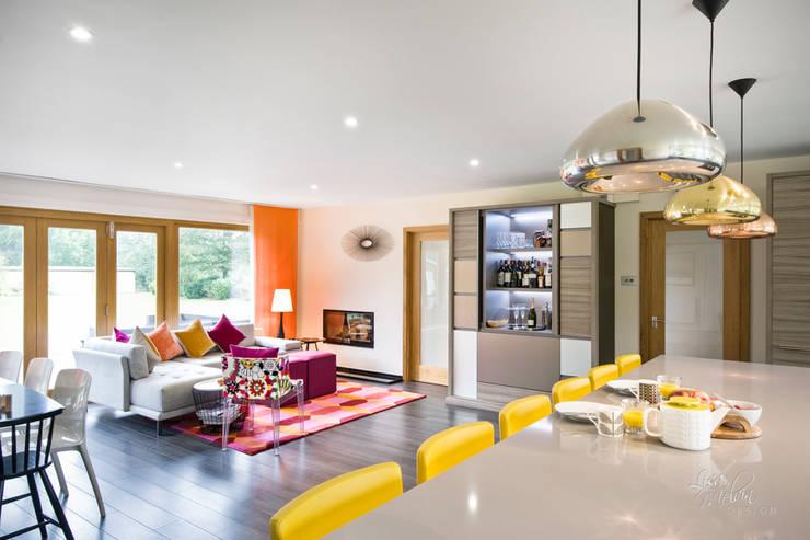 غرفة المعيشة تنفيذ Lisa Melvin Design