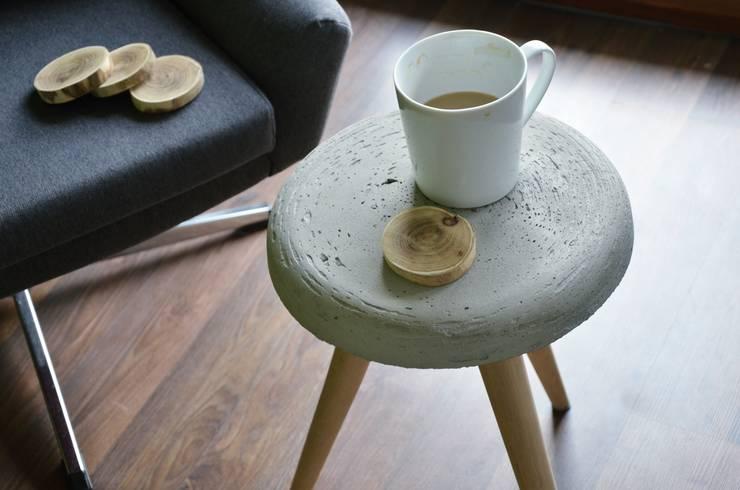 Stolik SOFTCONE od D2 Studio: styl , w kategorii Salon zaprojektowany przez D2 Studio,
