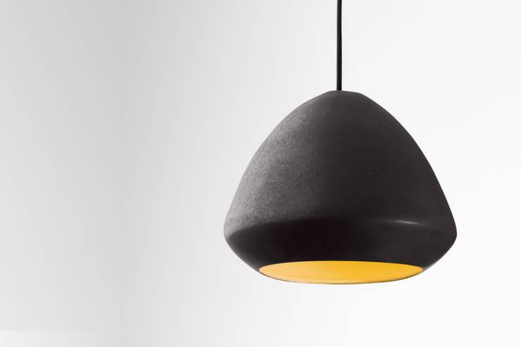 Ross Gardam Glaze ceramiczna, ręcznie formowania lampa sufitowa  z Australii: styl , w kategorii Korytarz, hol i schody zaprojektowany przez ilumia.pl