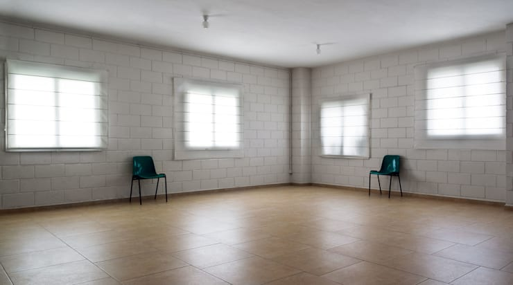 Centro Cívico de Palavea: Salones de eventos de estilo  de soma [arquitectura imasd]