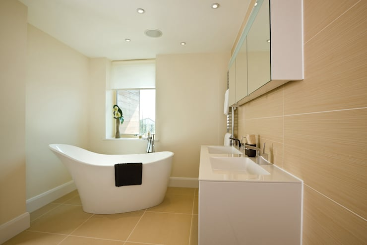 22 Chaddesley Glen:  Bathroom by David James Architects & Partners Ltd