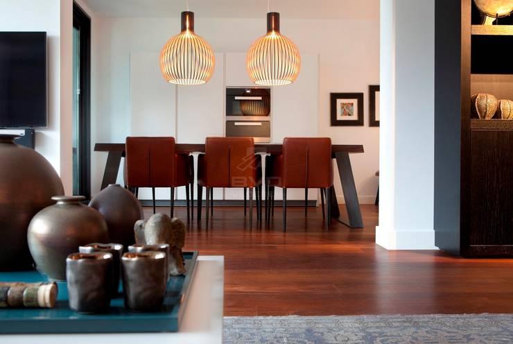Houten vloer | Sucupira | Eetkamer | Keuken:  Eetkamer door BVO Vloeren