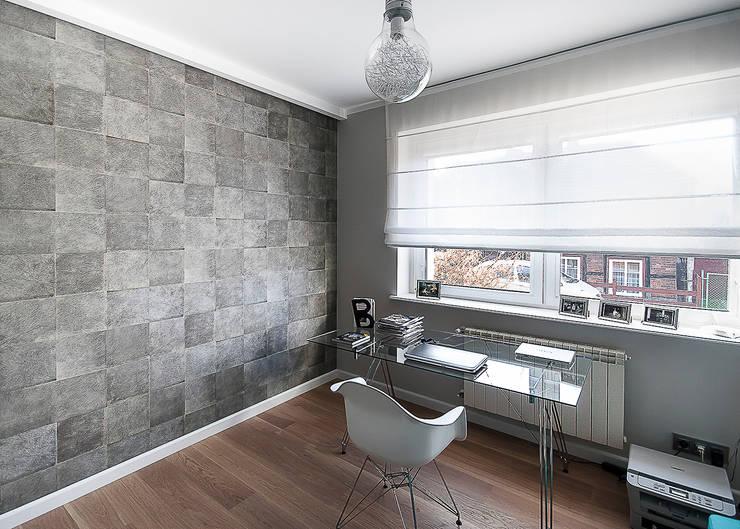gabinet: styl , w kategorii Domowe biuro i gabinet zaprojektowany przez Inspiration Studio
