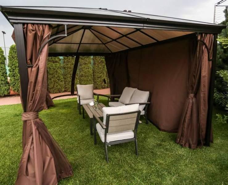 Pawilon Oslo z poliwęglanowym dachem: styl , w kategorii Ogród zaprojektowany przez Ogrodowy Salon